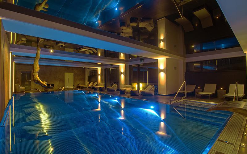 Luxusní designový nerezový bazén Imaginox s masáží i nerezovým chrličem