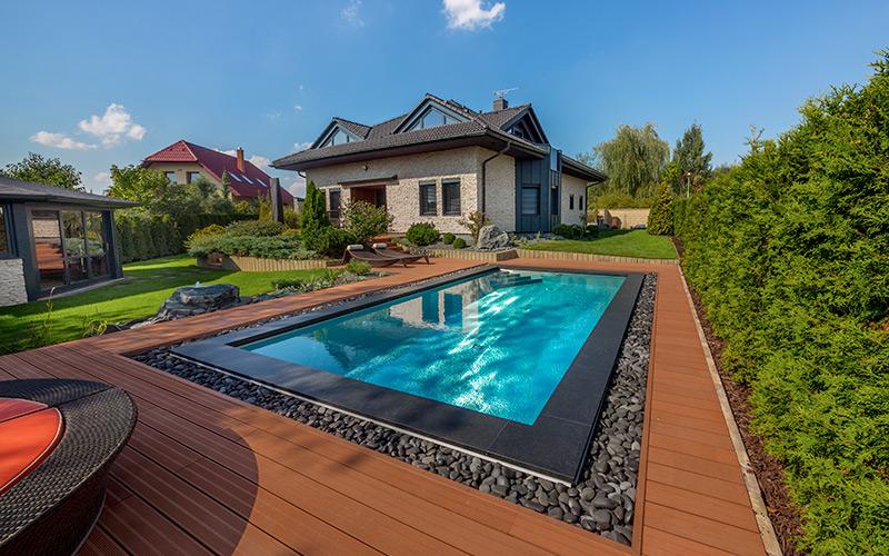 Krásný nerezový bazén- realizace společnosti Imaginox u rodinného domu