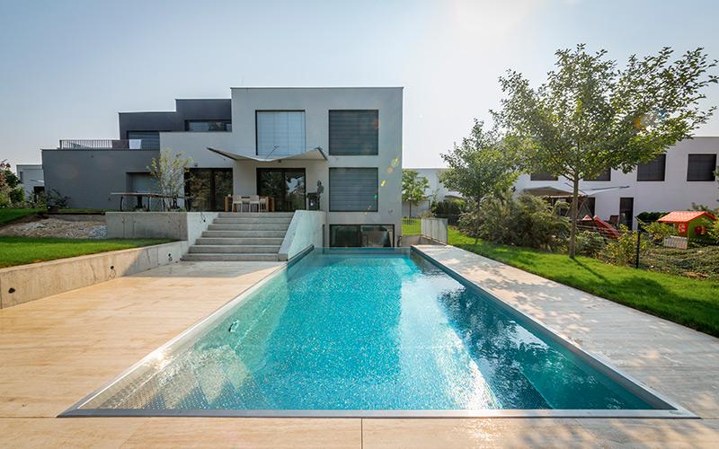 Nerezový bazén Imaginox s přelivnou stěnou a ochlazovacím bazénkem