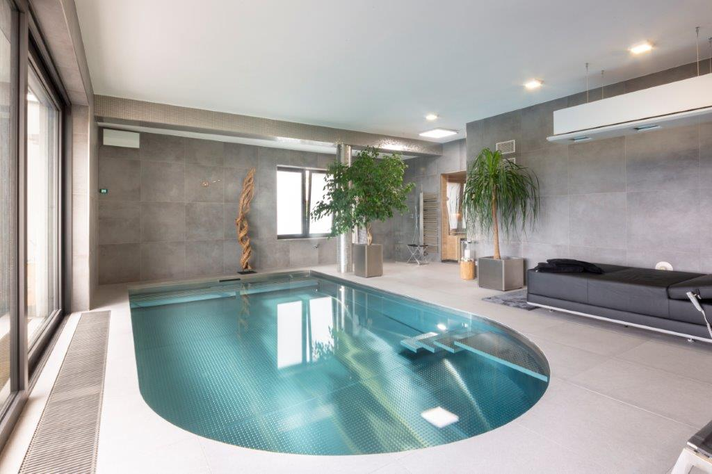 Stainless steel pool IMAGINOX in the family wellness!